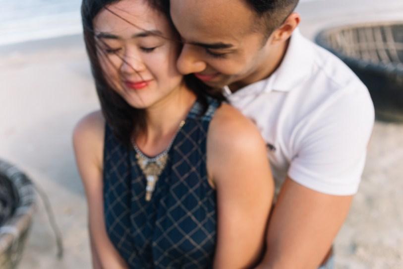 kiss her shoulder taken by da nang wedding photographer