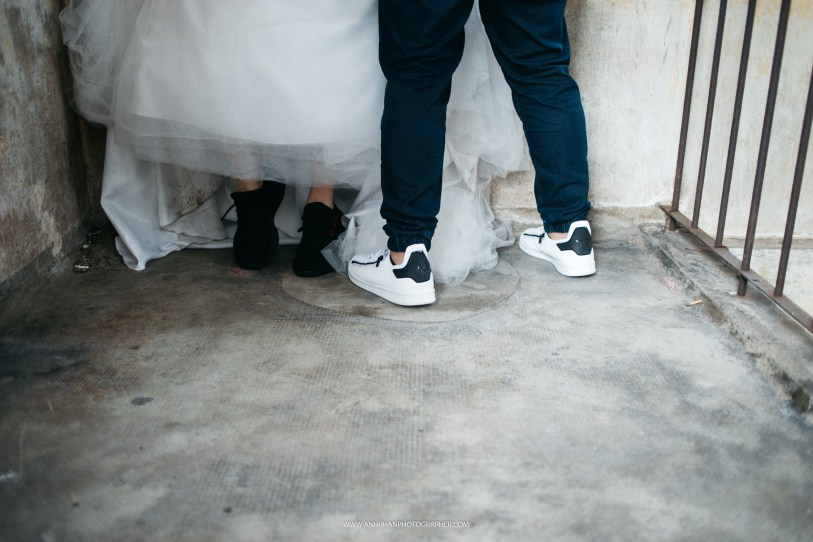 shoes love in ho chi minh taken by vietnam wedding photographer