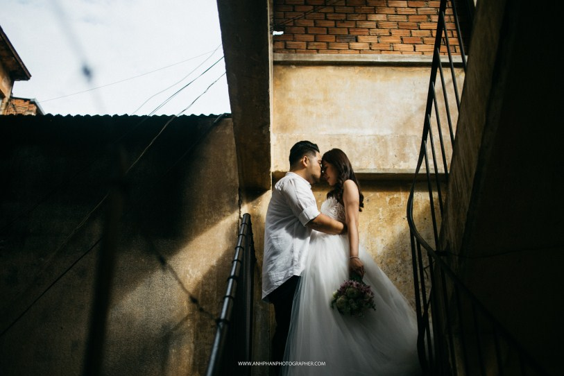 love so much in ho chi minh taken by vietnam wedding photographer