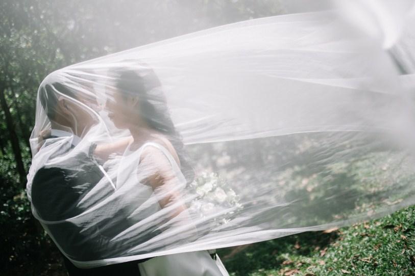 love photography taken by vietnam wedding photographer