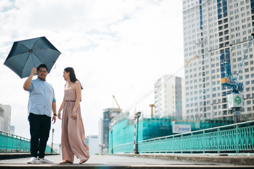 love in ho chi minh taken by vietnam wedding photographer