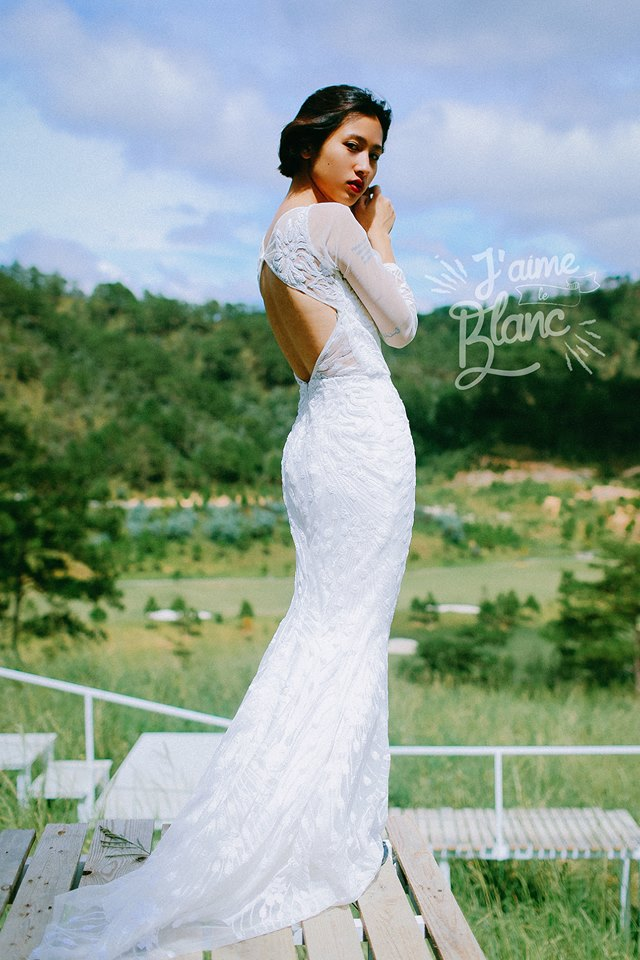 Fishtail wedding dresses for prewedding shoot by J'aime le Blanc - vietnam wedding custumes