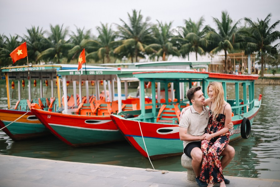 the boat in hoi an taken by hoi an photographer - vietnam wedding photographer in hoi an