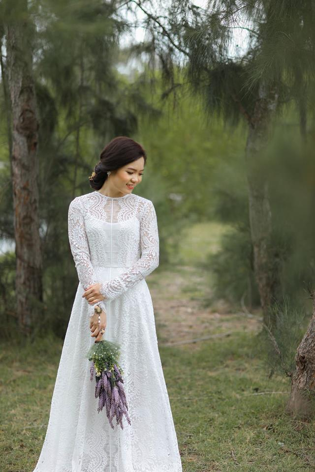 Backless wedding dresses by Poxi -vietnam wedding custumes