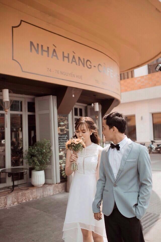 The groom's costume for pre-wedding - vietnam wedding custumes