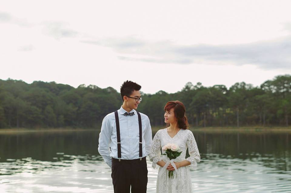 The groom's costume for pre-wedding -vietnam wedding custumes