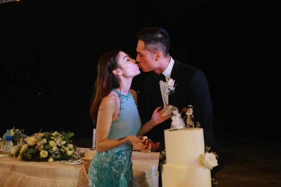 Da nang beach wedding day taken by da nang photographer - anh phan photographer - da nang wedding package - da nang wedding photographer