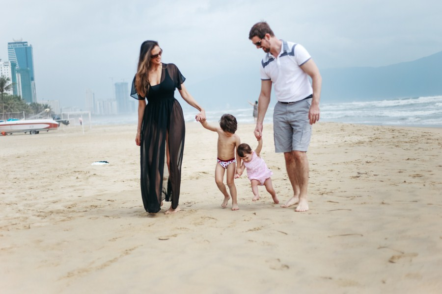 Da nang family holiday photography taken by da nang family photographer - da nang photographer - anh phan photographer - danang photographer