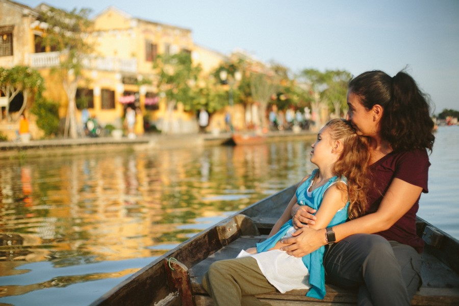 family photography in Hoi An old town by Hoian vacation photographer